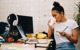 Trở thành triệu phú nhờ giúp các doanh nhân trẻ khởi nghiệp thành công: Chuyện lạ mà có thật của Eckersley-Maslin