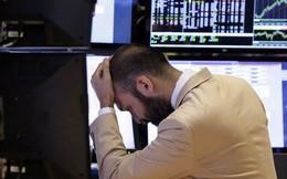 Ngoài chiến tranh thương mại Mỹ - Trung và bất ổn ở Hồng Kông, điều gì đang khiến thị trường hoảng sợ đến vậy?