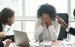 Khảo sát mới cho thấy: 8 trên 10 dân công sở đã bật khóc tại chỗ làm, chủ yếu là do sếp và đồng nghiệp chèn ép