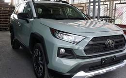 Thích xe Toyota nhập Mỹ, đại gia Việt vẫn chịu giá đắt gấp đôi đối thủ, vung tiền tỷ sở hữu hàng độc