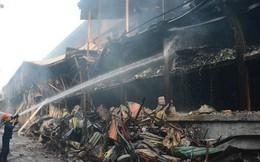 Ảnh: Hiện trường tan hoang ở nhà máy phích nước Rạng Đông sau vụ cháy kinh hoàng