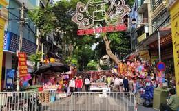 """Từ giờ đến phố Hàng Mã vui chơi, chụp ảnh nếu không cẩn thận dễ mất """"tiền phạt"""" cả trăm nghìn như chơi!?"""