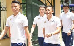 Cầu thủ Hà Nội FC đến bệnh viện thăm CĐV nữ bị bỏng nặng vì trúng pháo