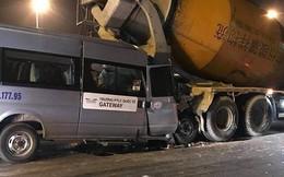 Ô tô 16 chỗ của trường Gateway húc đuôi xe bồn dừng đèn đỏ, tài xế nhập viện