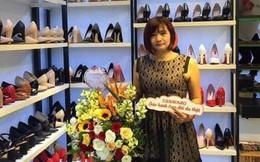 Shop giày nơi bà chủ tát nữ sinh đến đòi lương vẫn đóng cửa, bị dán thông báo ngừng cấp điện