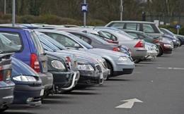 Tại sao nên quay đầu ôtô hướng ra ngoài khi đỗ xe?