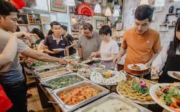 Người Việt thường cố ăn nhanh và nhiều nhất có thể khi đi ăn buffet để được hời, hoá ra cách này hoàn toàn sai, còn bị lỗ hơn