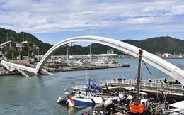 Khoảnh khắc kinh hoàng khi cây cầu dài 140m ở Đài Loan sụp đổ trong tíc tắc, khiến hàng chục người bị thương và mất tích