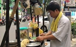 """Xe """"bánh nướng vui vẻ"""" của ông chú Sài Gòn, khách hàng đến chỉ có cười tít mắt: """"Chụp hình tui mỏ nhọn nhớ photoshop lại cho đẹp nha"""""""