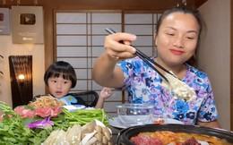 """Hiện tượng YouTube """"bé Sa"""" mukbang siêu hot: Vì sao chỉ livestream ăn uống cũng đủ rinh Nút Vàng triệu sub?"""