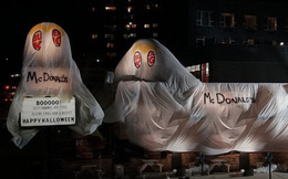 """Burger King """"cà khịa"""" cực mạnh khi hóa trang thành McDonald's để đón Halloween"""