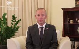 """ĐS Anh tại VN nói về vụ 39 thi thể: """"Đây là một lời cảnh tỉnh cho tất cả chúng ta, ở Anh, ở Việt Nam và trên thế giới"""""""