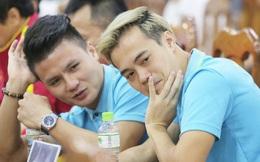 """Quang Hải - Văn Toàn nói chuyện """"bí ẩn"""", nhận thưởng khủng trước thềm trận đấu với UAE và Thái Lan tại vòng loại World Cup 2022"""