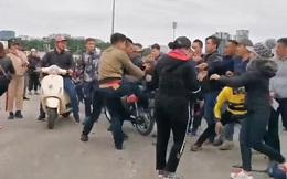 Dân phe đánh nhau tranh giành khách, thổi giá vé 12 triệu đồng/cặp trận Việt Nam vs Thái Lan