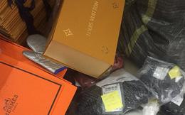 Phát hiện cơ sở kinh doanh cắt mác Trung Quốc, dán nhãn Dior, Chanel, Luis Vuiton, Gucci...