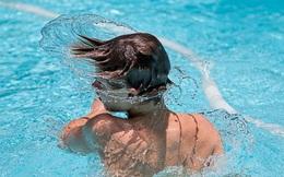 Lắc đầu để vẩy nước ra khỏi tai có thể gây tổn thương não, đặc biệt là với trẻ nhỏ