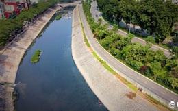Vườn rau xanh non mơn mởn dọc đường Láng được tưới bằng... nước sông Tô Lịch