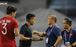 """HLV Lê Thụy Hải: """"Tôi ngạc nhiên vì sao ông Park lại thay đổi thủ môn và hàng phòng ngự"""""""