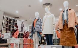 """""""Đột nhập"""" cả 3 tầng store UNIQLO Đồng Khởi trước ngày khai trương: Đồ cực kỳ phong phú, bạt ngàn món giá chỉ vài ba trăm nghìn"""