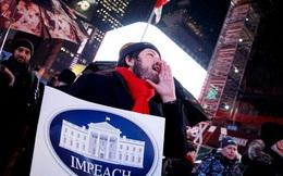 Dân Mỹ rủ nhau xuống đường ủng hộ luận tội Tổng thống Trump
