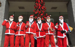Kiếm tiền dịp Giáng sinh: Nửa triệu đồng/tối đóng giả làm ông già Noel
