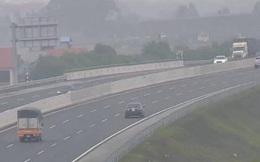 Xe biển số Hà Nội đi lùi trên cao tốc Hà Nội-Hải Phòng, suýt gây thảm họa
