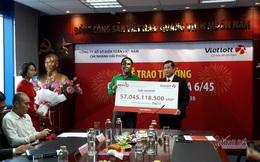 Tài xế Grab trúng Vietlott 57 tỷ đồng, đem từ thiện 1,5 tỷ đồng, ngày vẫn chạy GrabBike, tối ship GrabFood
