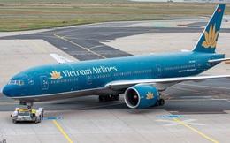 Nữ tiếp viên trưởng hãng VietNam Airlines bị tạm giữ vì nghi buôn lậu thuốc lá, dầu xoa bóp