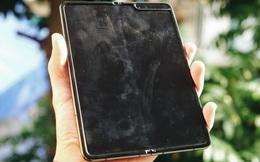 Dùng Galaxy Fold không dán màn hình: Chiếc máy của tôi bây giờ ra sao?