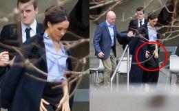 """Meghan Markle lộ ảnh xuất hiện bí mật giữa lùm xùm tách khỏi hoàng gia Anh, không hề đeo nhẫn cưới và bị chỉ trích đã """"hủy hoại"""" Hoàng tử Harry"""