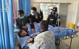 Cảnh sát Trung Quốc làm việc đến kiệt sức trong mùa dịch corona