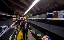 Các siêu thị ở Hồng Kông bỗng dưng hết sạch giấy vệ sinh
