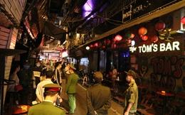 Hà Nội và Huế đóng cửa quán bar, karaoke, tiệm massage vì dịch Covid-19; TPHCM, Đà Nẵng đang đề xuất tương tự