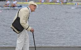 Anh dự kiến cách ly công dân hơn 70 tuổi trong nhiều tháng
