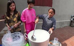 """Giữa mùa dịch Covid-19, bà Tân Vlog nấu nồi gel rửa tay khô """"siêu to khổng lồ"""" 100 lít tặng người dân"""