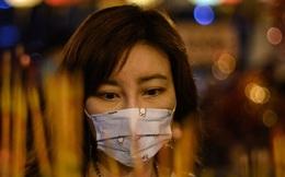"""""""Bạn trai tôi qua đời ở Vũ Hán"""": Nhật kí đẫm nước mắt của cô gái bất lực nhìn người yêu mình tử vong trong đại dịch virus corona"""