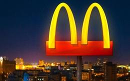 Tinh tế như McDonald's: Lặng lẽ để chữ M trong logo tách đôi ngầm nhắc nhở mọi người giữ khoảng cách tránh lây lan Covid-19