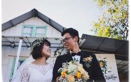 """Độc đáo đám cưới """"tự tay làm hết"""" của cặp đôi sống tối giản Đà Lạt: Cho khách ngồi lên rơm, đến chung vui còn có quà handmade mang về"""