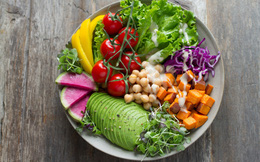 Sống an toàn trong mùa dịch Corona: Không tự uống thuốc khi có dấu hiệu nghi ngờ, chia tay các buổi nhậu, tăng cường vitamin C...