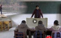 Thầy giáo chèo bè tre vượt sông mỗi ngày chỉ để dạy một lớp 3 học sinh
