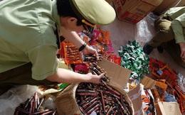 Thu giữ hơn 7500 sản phẩm thực phẩm trà sữa, mì tôm, xúc xích... do Trung Quốc sản xuất