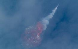 SpaceX và NASA bắn pháo hoa sớm: Tại sao họ vừa cho nổ 50 triệu USD trên trời?