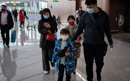 Số người chết vì bệnh phổi lạ tăng lên 9, dân Trung Quốc đón Tết Nguyên đán trong lo sợ