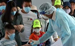 Giữa đại dịch corona, người Việt đang di chuyển bằng taxi, xe khách, bus hay grab cần làm gì để không nhiễm dịch bệnh?