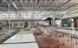 Hàng nhậu nổi tiếng nhất nhì Hà Nội đóng cửa im lìm, bàn ghế phủi bụi vì dịch Corona