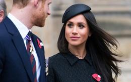 """Sau khi bị Canada """"hắt hủi"""", vợ chồng Meghan Markle đón nhận tin buồn cay đắng khác khiến Nữ hoàng Anh vô cùng khó xử"""