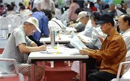 Không thể dựa vào con cái, những người già về hưu ở Hàn Quốc liều mình làm việc tự nuôi bản thân, rơi vào bi kịch gái mại dâm cao tuổi