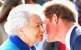 Nữ hoàng Anh chính thức gặp mặt cháu trai Harry sau những rạn nứt và tổn thương, chỉ với một câu nói cũng đủ khiến vợ chồng Meghan phải suy nghĩ
