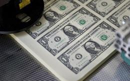 Từ Boeing đến chuỗi khách sạn Hilton, các doanh nghiệp Mỹ dáo dác tích trữ tiền mặt đối phó với khủng hoảng