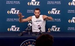 """Sờ tay vào thiết bị của phóng viên để chứng minh """"Covid-19 không đáng sợ"""", 2 hôm sau hảo thủ bóng rổ dương tính với virus corona"""